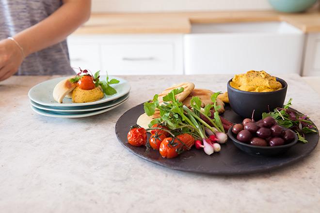 Roast-tomato-hummus
