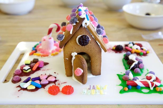 mini gingerbread house