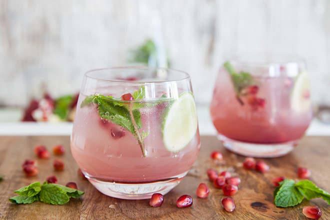 Pomegranate-gin-cocktail-ball-glasses