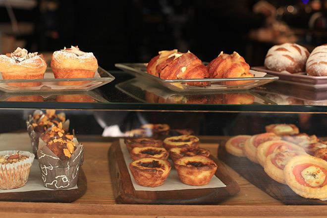 pastry-window-at-jason-bakery