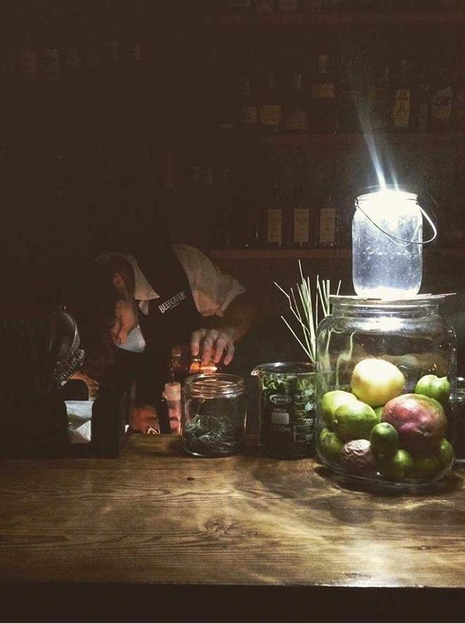 gin-and-tonic-gaslight-bar