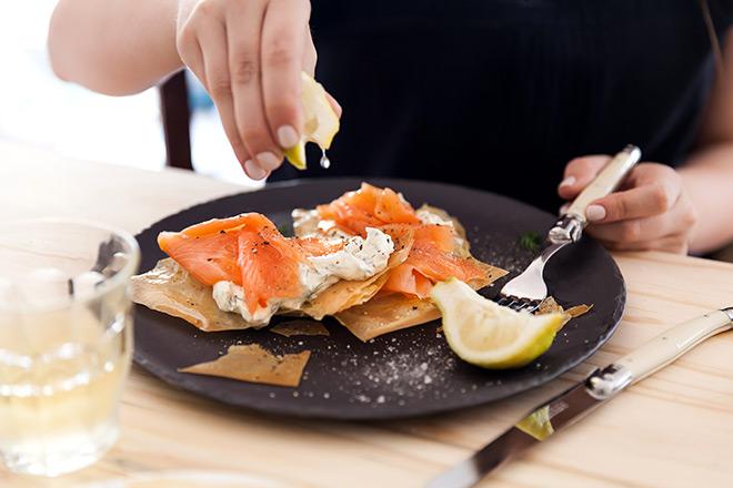 salmon-tartlets-eating