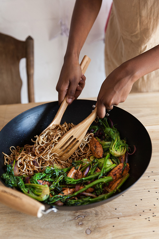 dishing-up-stirfry