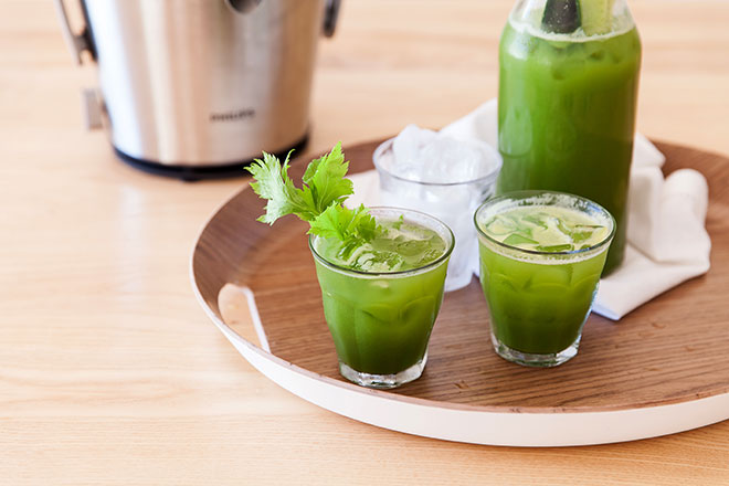 Green-juice-in-glasses