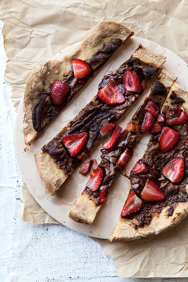 chocolate-strawberry-pizza-portrait