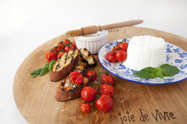 Ricotta cheese served with bruschetta