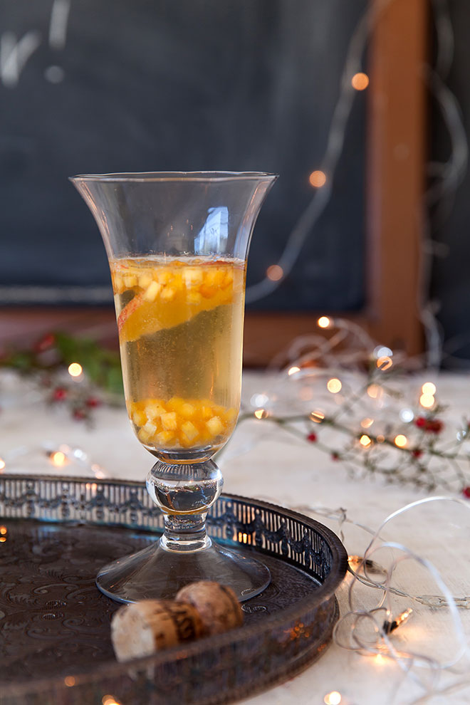 champagne-with-fruit