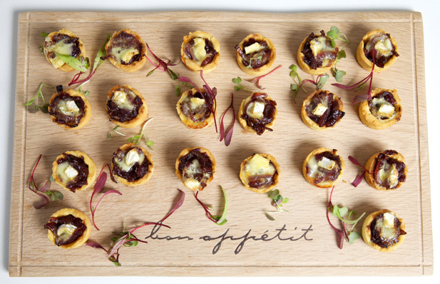caramilsed onion and brie tartlet canapés