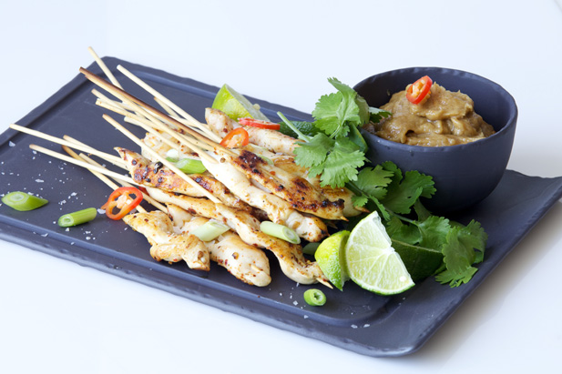 Peanut dipping sauce with thai chicken sauce