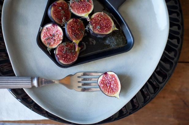 caramelising figs on a raclette
