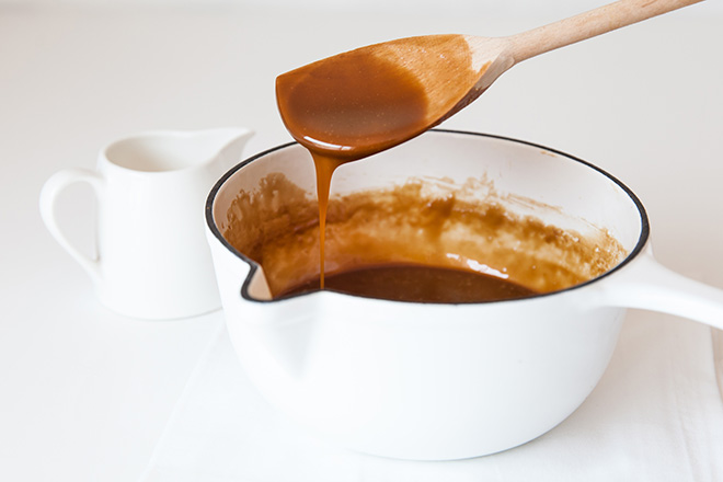 making sticky toffee