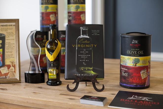 Tasting olive oil with Rio Largo