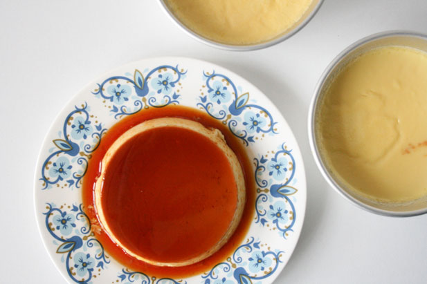 Creme caramel with final dressing