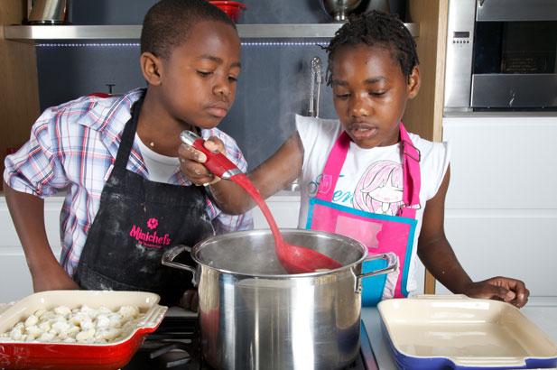 Minichef cooking gnocchi