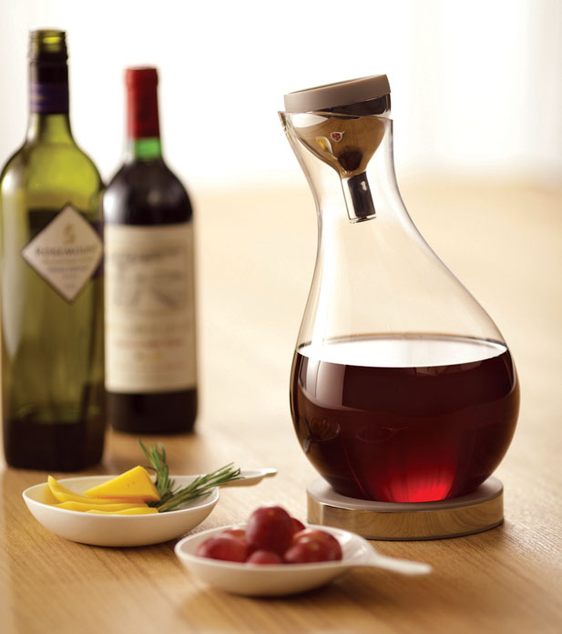 Red wine decanter by JIA