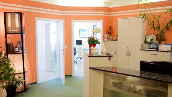 Zahnarztpraxis Eingangsbereich