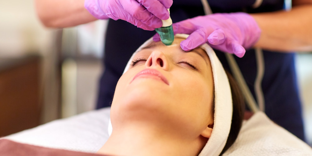 "Microdermabrasion: The ""Lunch Break Facial"" - ZALEA Article Banner"