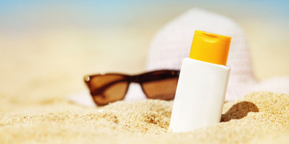 Is Sunscreen Dangerous? - ZALEA Article Banner