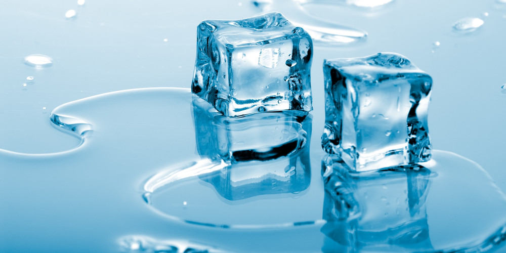 Cryolipolysis Complications - CoolSculpting  for Fat Freezing Risks, Side Effects & Results - ZALEA Article Banner