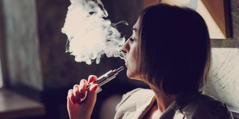 How Nicotine Sabotages Plastic Surgery  - ZALEA Article Banner