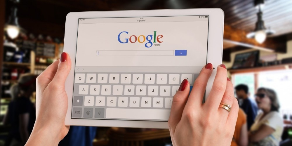 Should You Really Trust Google When It Comes To Picking A Plastic Surgeon? - Prejuvenation Article Banner