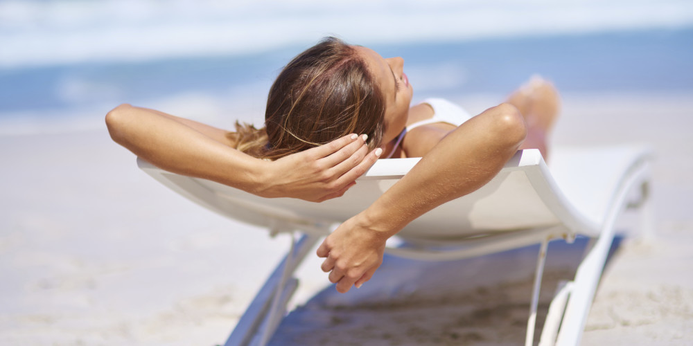 Young Women And The Dangers of Tanning - ZALEA Article Banner