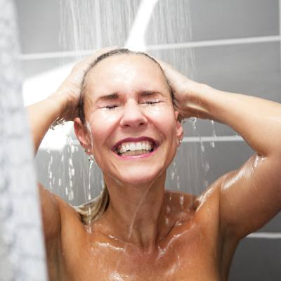 Dermatologists Explain Correct Way To Shower