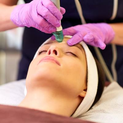 Try The Lunch Break Facial: Why Microdermabrasion Treatments Make Sense