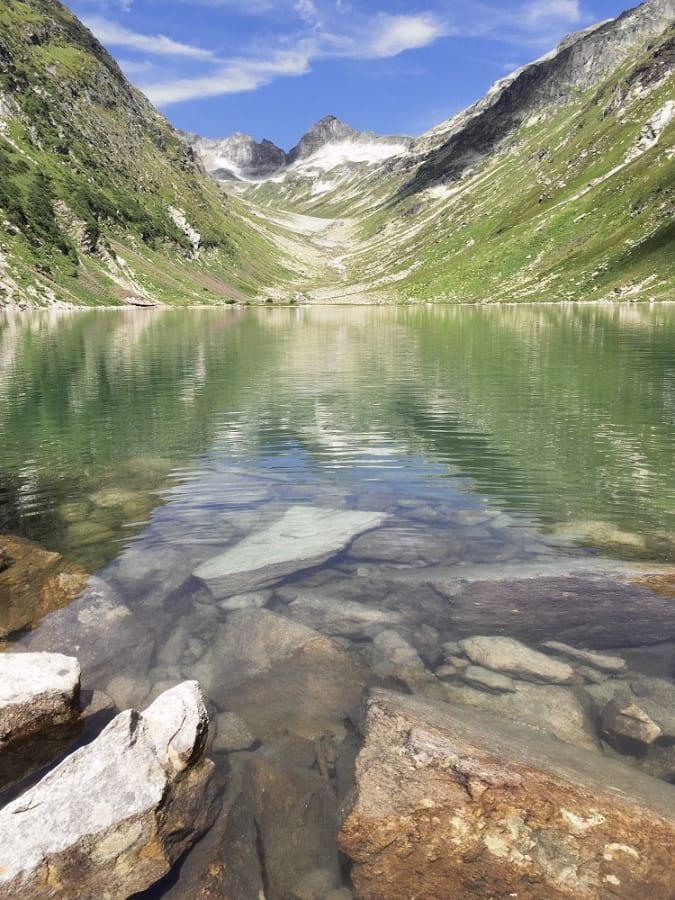 Trinkwasser-Fülle in Tirol: Der Dorfersee in Kals am Großglockner