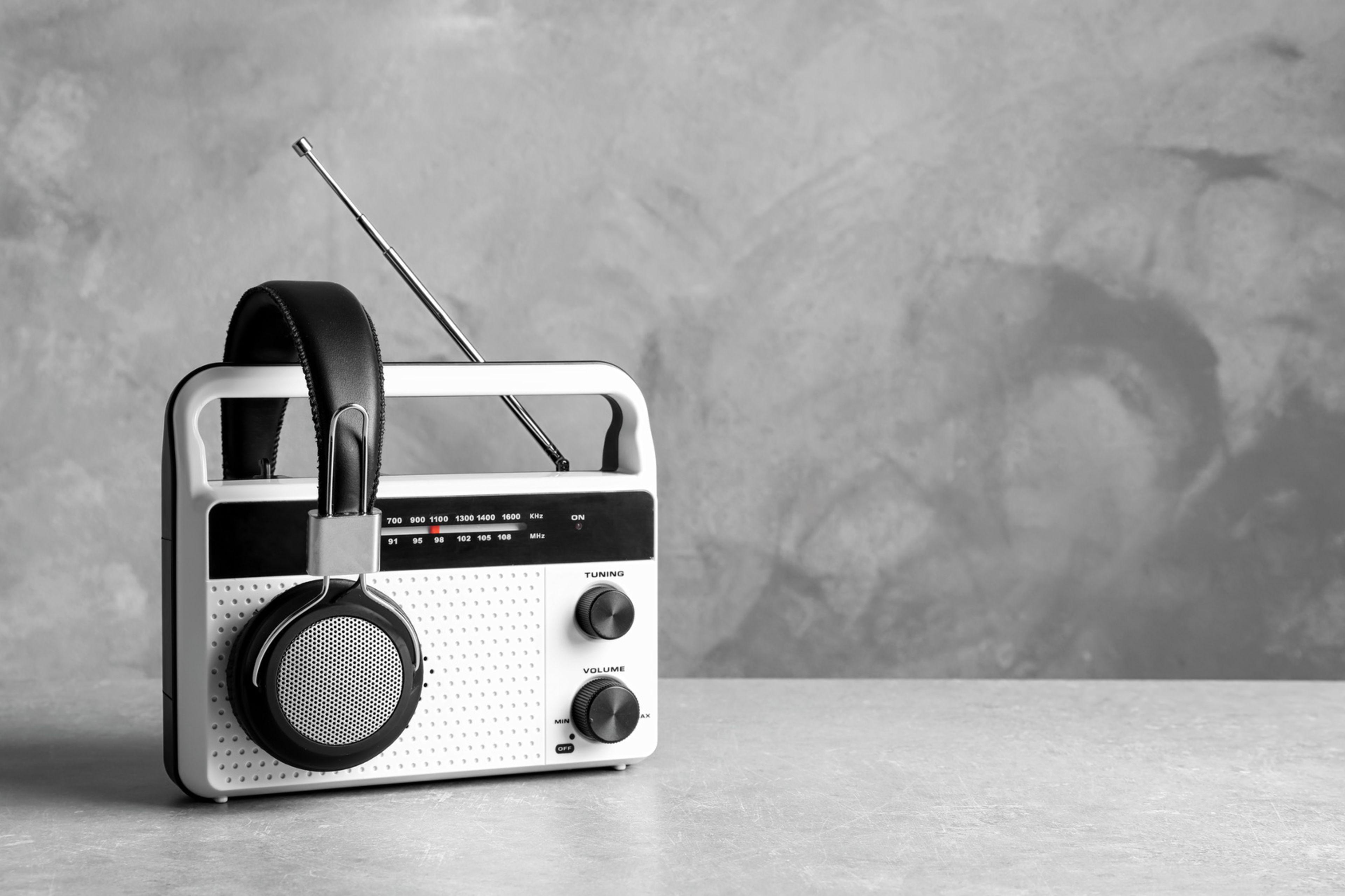 ラジオ修理サービス