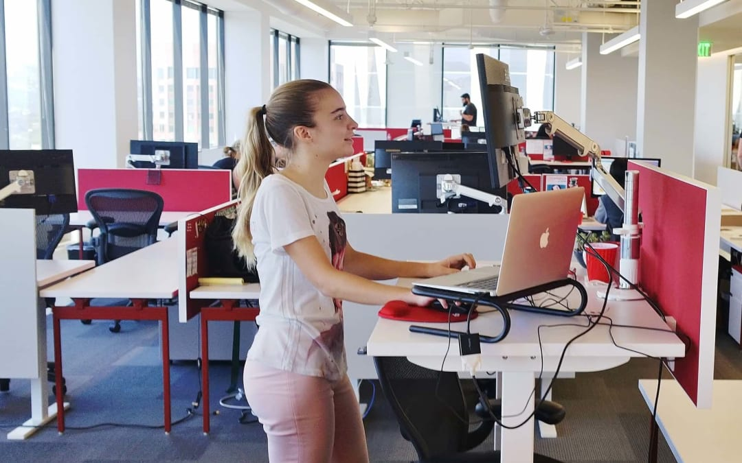 25 reasons to use a standing desk