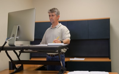 Standing desk – How it helped my back pain