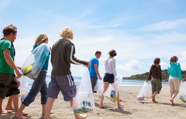 Encourage friends to clean up the ocean