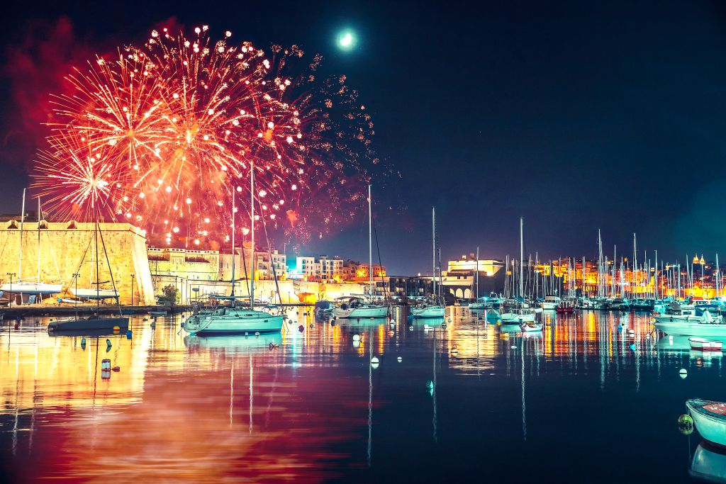 New Year's Eve Boat Destinations 2020/2021 🥳 Epic NYE On a ...