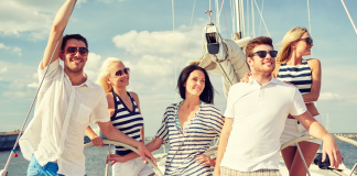 sailing-holidays-with-friends-on-a-yacht-Zizoo