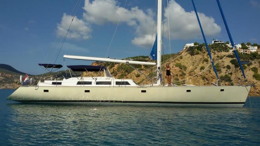 Sailboat Voyager Dreams 70
