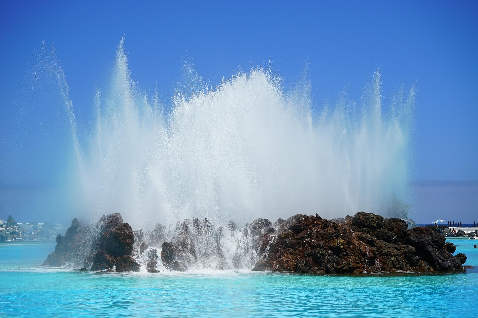 fountain-461552_1920