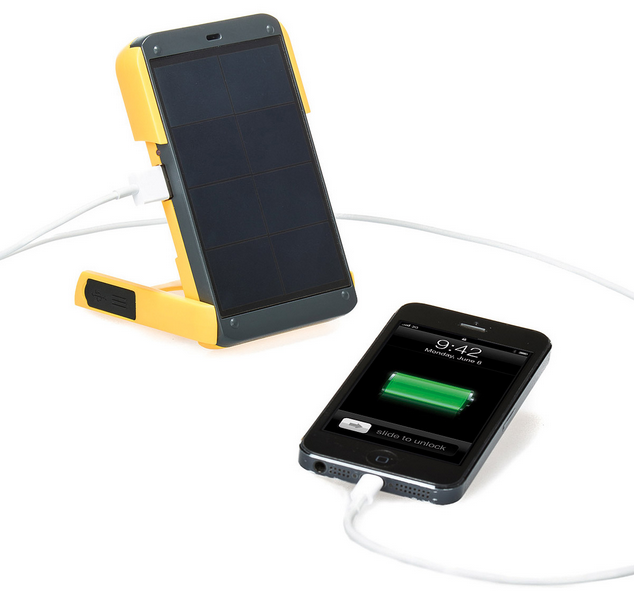 solar powered charger holidays with Zizoo