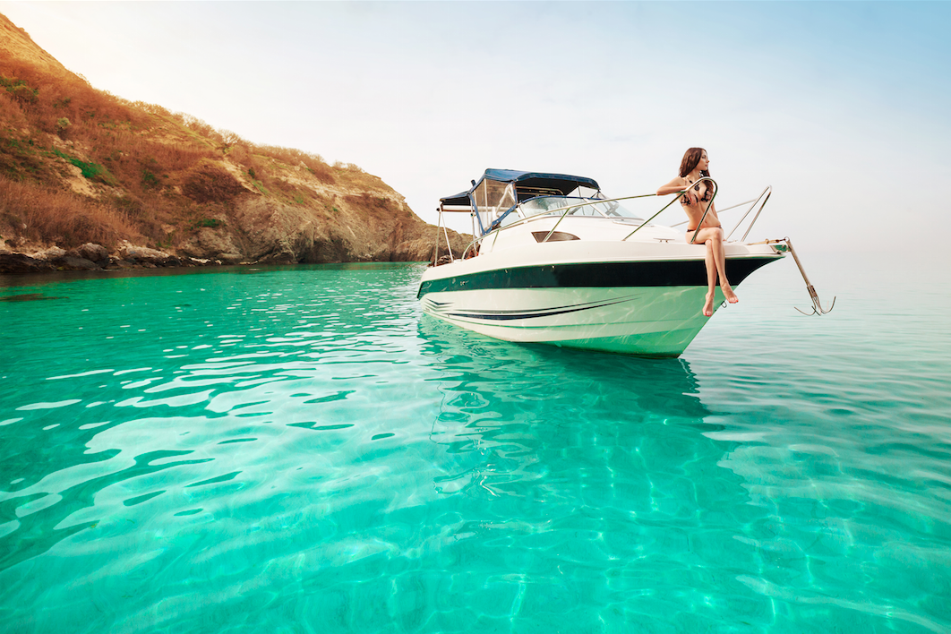 Yacht-sailing-holiday-girl-on-a-boat