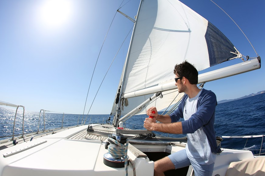 Man on a sailing yacht Zizoo