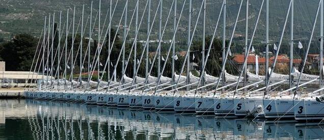 mono fleet sailbot yacht charter Zizoo