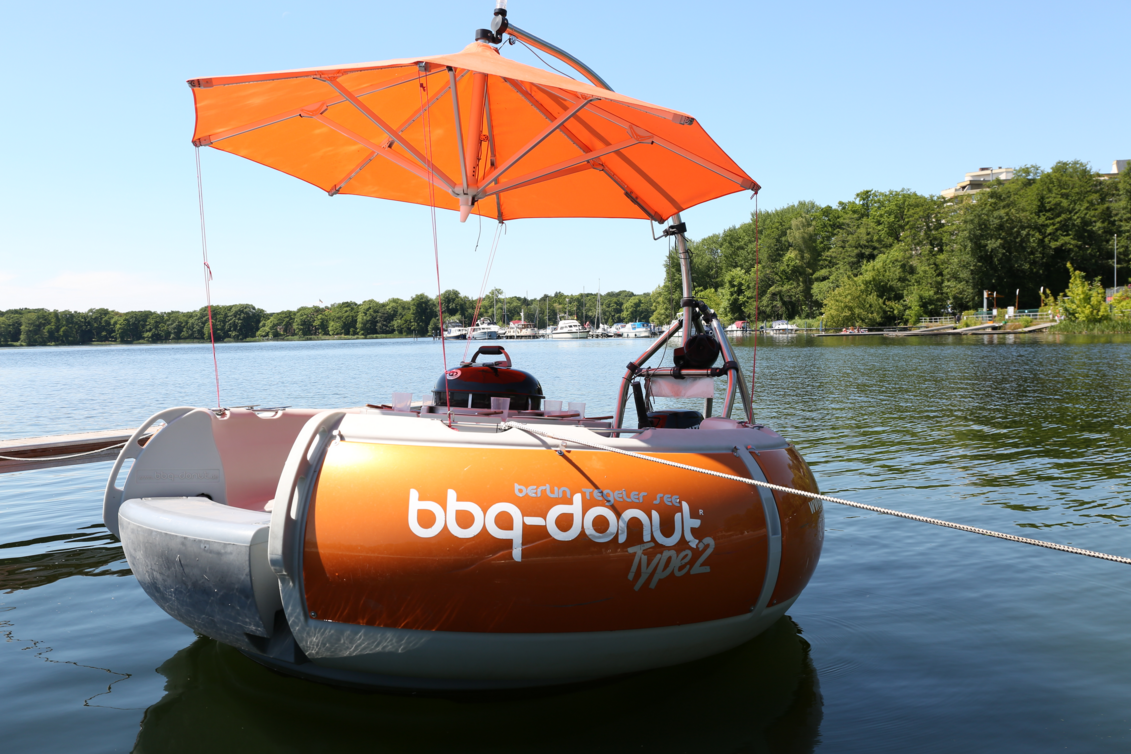 renting a boat for a party