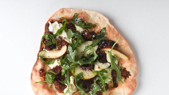 arugula pear fig goat cheese pizza mediterranean recipe