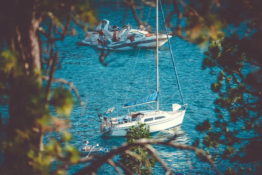 rent a sailboat in Greece