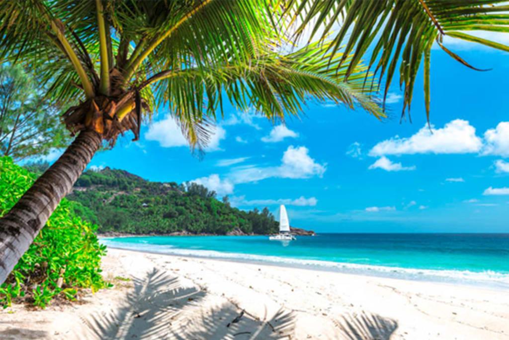 sailing in bahamas