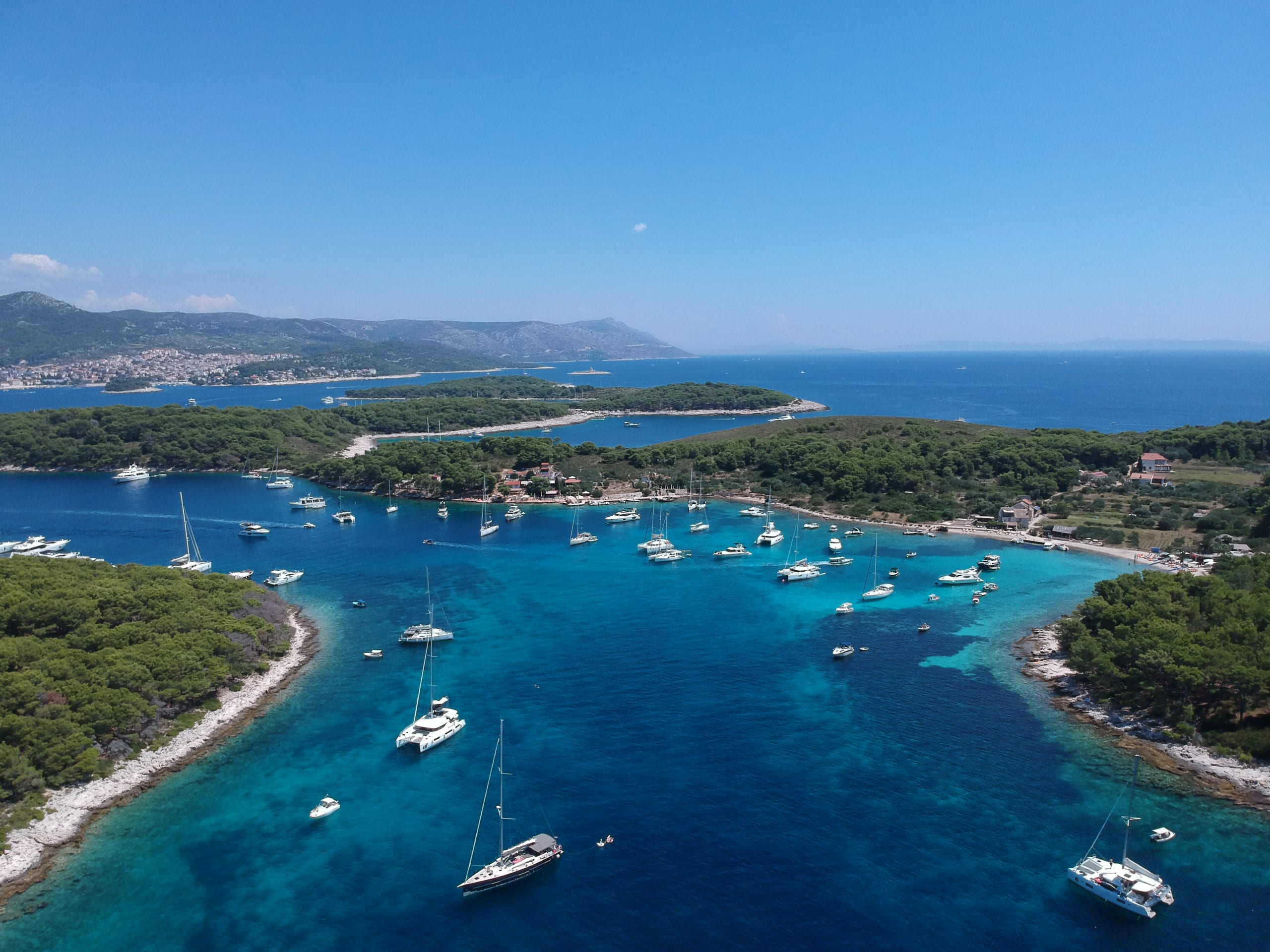 sailing routes yacht charter
