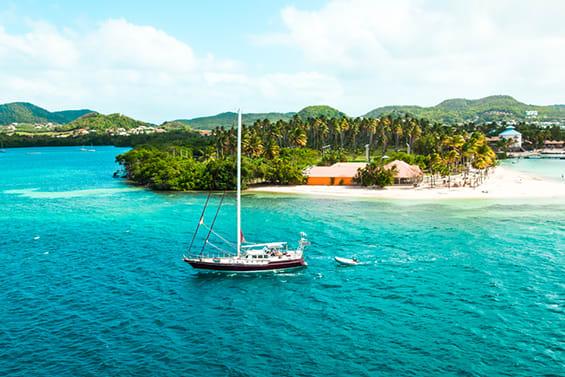 marina yacht charter