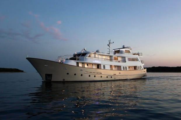 luxury yacht charter Zizoo