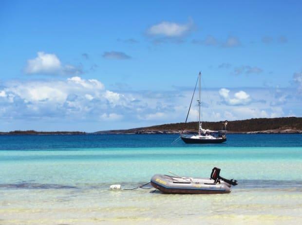 sailing yacht charter Bahamas Zizoo