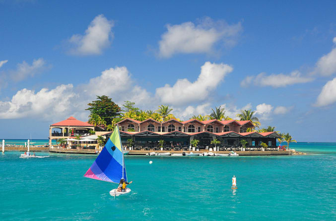 Best restaurants in the Caribbean to visit by boat